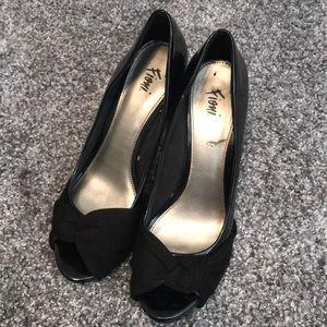 Fioni black heels